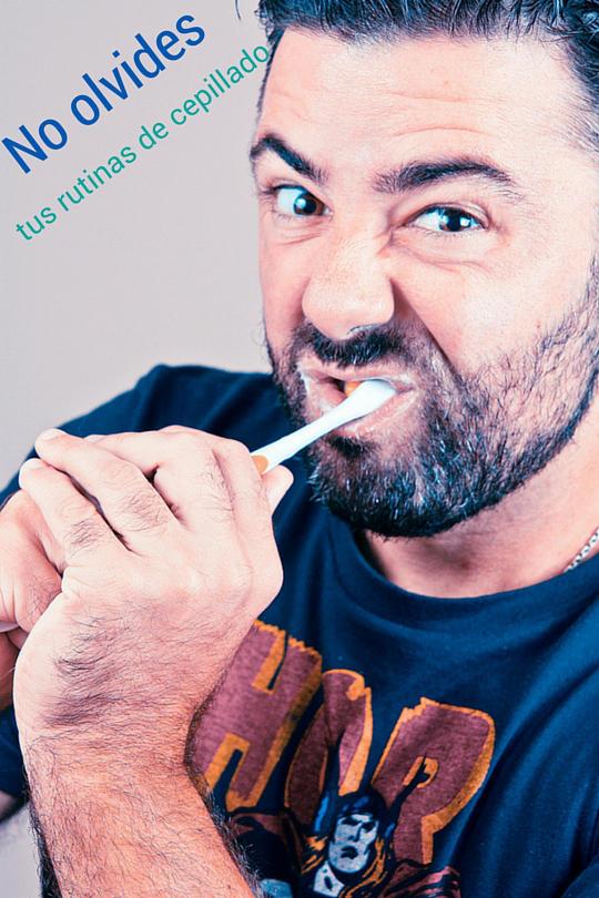 no hay olvidar el cepillado:consejos dentales navidenos
