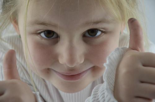 molar de los seis años,niña