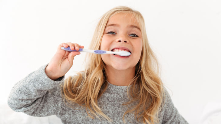 cepillado dental niños y hábitos saludables
